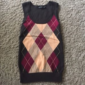 The Limited Brown Argyle sweater vest. XS